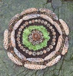 Land Art for Kids: How To! Land Art for Kids: Comment! Land Art, Art Et Nature, Nature Crafts, Mandalas Painting, Mandala Art, Lotus Mandala, Projects For Kids, Art Projects, Ephemeral Art