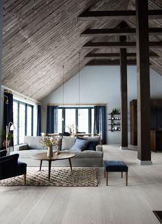 Urbnite Scheune, Wohnzimmer Mit Offener Küche, Skandinavisches Haus,  Landhaus Design, Dachgeschosswohnung,
