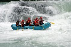 http://cdn.ibackpackcanada.com/wp-content/uploads/2009/11/rafting-fraser-river.jpg