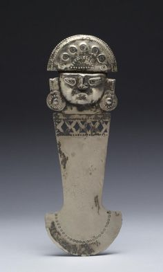 A ceremonial knife, or tumi, from Peru's northern coast's Sican-Chimu cultures, circa 750 to 1470 CE