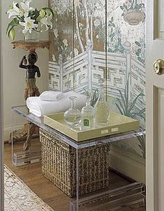 Chinoiserie Chic: Chinoiserie Bathroom Vignette