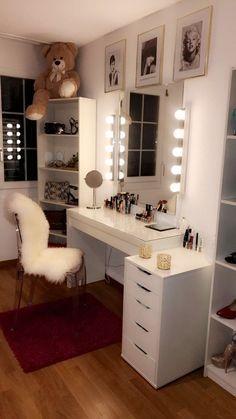 Makeup room decor, beauty room decor, bedroom decor glam, bedroom decor for small Teenage Room Decor, Bedroom Decor For Teen Girls, Teen Girl Bedrooms, Room Ideas Bedroom, Small Room Bedroom, Closet Bedroom, Closet Desk, Girl Rooms, Diy Bedroom