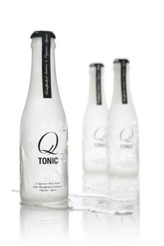 Q Tonic: Aguas tónicas Premium: la sofisticación llega al Gin Tonic Tonic Water, Gin And Tonic, Cocktail Images, Beverage Packaging, Cocktails, Drinks, Carafe, Packaging Design, Corn Syrup
