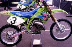 1992 Factory Kawasaki of Mike Kiedrowski, Jeff Ward and Jeff Matiasevich Kawasaki Kx 250, Kawasaki Dirt Bikes, Mx Bikes, Cool Bikes, 2 Stroke Dirt Bike, Motorcross Bike, Brat Bike, Vintage Motocross, Honda Motorcycles