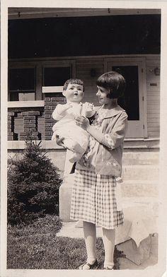 1923 - Girl and doll - Five Oaks, Dayton - Ohio