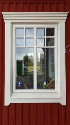 Trim Idea for Farm House Exterior Window Molding, Exterior Trim, Exterior Design, House Outside Design, House Front Design, House Trim, House Siding, Red Houses, Exterior Remodel