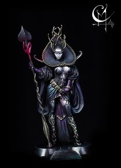 OSCURA - Queen of Spades painted by Mirko Cavalloni