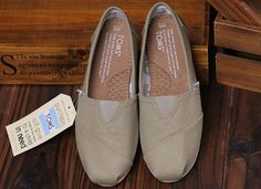 Toms Women University Ash Rope Sole Blue Shoe : Toms Outlet*Cheap Toms Shoes Online* Welcome to Toms Outlet.Toms outlet provide high quality toms shoes*best cheap toms shoes*women toms shoes and men toms shoes on sale.You will enjoy the best shopping. Toms Canvas Shoes, Toms Shoes Sale, Cheap Toms Shoes, Toms Sale, Toms Outlet Store, Shoe Outlet, Pink Toms, Red Toms, Disney Toms