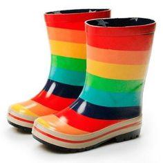 Unas divertidas botas de agua nunca deben faltar. Sin lugar a dudas, alegran cualquier día de lluvia gris!