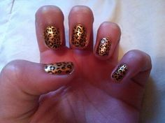 gold + leopard nails, to die for! <3 :)