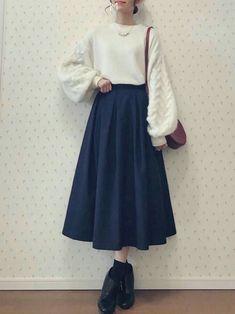 Korean Girl Fashion, Muslim Fashion, Japanese Fashion, Cute Fashion, Look Fashion, Skirt Fashion, Hijab Fashion, Fashion Dresses, 80s Fashion