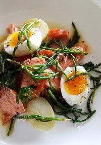 Samphire has a salty seawater flavour that works perfectly in this smoked trout recipe. Samphire has a salty seawater flavour that works perfectly in this smoked trout recipe. Good Food, Yummy Food, Tasty, Trout Recipes, Seafood Recipes, Native Foods, Smoked Trout, Soft Boiled Eggs, Cooking Recipes