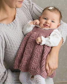 33.2 tusind følgere, 681 følger, 803 opslag – Se Instagram-billeder og -videoer fra Vigdis Vikeså Drange (@mrsdrange) Knitting Designs, Knitting Stitches, Baby Knitting, Knitting For Kids, Loom Knitting, Knitting Patterns, Baby Sweater Patterns, Crochet For Kids, Crochet Baby