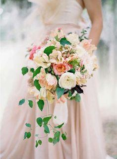 REVEL: Romantic Blush   Cream Bouquet