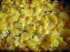 Fish Pie with Smoked Cheese Topping Beef Recipes For Dinner, Thai Recipes, Side Dish Recipes, Fish Recipes, Vegetarian Recipes, My Favorite Food, Favorite Recipes, Vegetable Prep, Smoked Cheese
