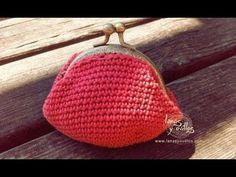 Ravelry: Vintage crochet Coin Purse pattern by Lanasyovillos official Crochet Change Purse, Crochet Coin Purse, Crochet Purses, Crochet Wallet, Crochet Metal, Crochet Vintage, Knit Crochet, Free Crochet, Simple Crochet