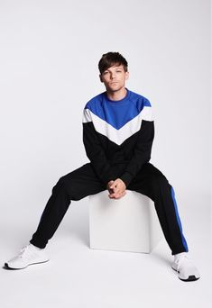 "Tomlinson: One Direction is ""a corny name"" X Factor's Louis Tomlinson says One Direction is ""a corny name"" and the boys weren't fans of it - Zayn Malik, Niall Horan, Liam Payne, Grupo One Direction, One Direction Pictures, One Direction Art, One Direction Wallpaper, Louis Tomlinsom, Louis And Harry"