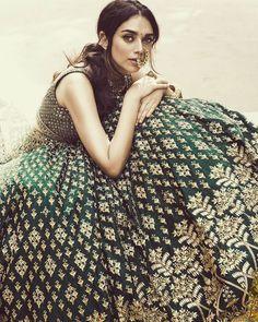 "353 Likes, 4 Comments - INNAYA HERITAGE JEWELLERY (@innayaheritagejewellery) on Instagram: ""INNAYA HERITAGE JEWELLERY *INSPIRATION* @vogueindia Wedding Show 2017 @aditiraohydari in…"""