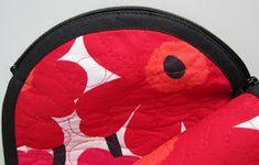 Lappeklipp: Necessär - tutorial Pot Holders, Coin Purse, Lunch Box, Quilts, Bags, Purses, Handbags, Patch Quilt, Taschen