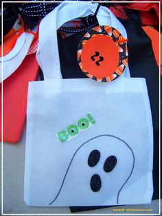 Fun Halloween Countdown Calendar with 20+ Ideas for activities