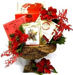 Holiday Keepsakes Beautiful Christmas Gift Basket for Him or Her | Office Gift Idea - http://www.specialdaysgift.com/holiday-keepsakes-beautiful-christmas-gift-basket-for-him-or-her-office-gift-idea/