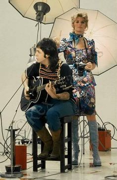 I dig Linda's boots! - Paul & Linda McCartney