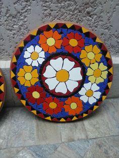 Mirror Mosaic, Mosaic Art, Mosaic Glass, Mosaic Crafts, Mosaic Projects, Mosaic Flowers, Stained Glass Art, Christmas Images, Sugar Skull