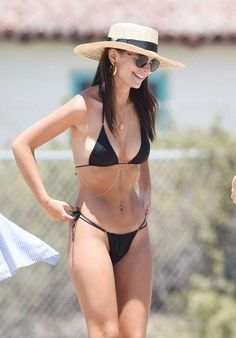 Emily Ratajkowski smiled while at the beach in Los Angeles on July 18. - Vince Flores/ INSTARimages.com