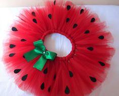 Girls Birthday Party Themes, Baby Birthday, Tutu Diy, Watermelon Birthday Parties, Baby Kostüm, Watermelon Art, Zeina, Baby Costumes, Diy Arts And Crafts