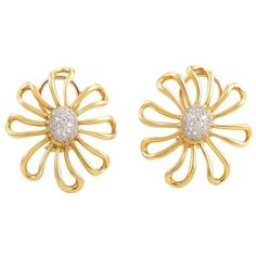 Preowned Tiffany & Co. Paloma Picasso Diamond Gold Platinum Earrings ($3,900) ❤ liked on Polyvore featuring jewelry, earrings, multiple, 18k diamond earrings, gold jewelry, daisy earrings, platinum earrings and flower earrings