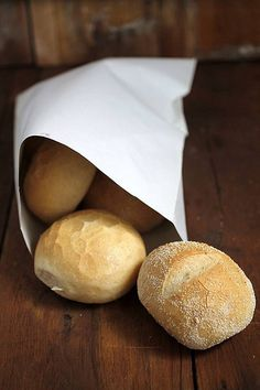 homemade bread Homemade Sandwich Bread, Homemade Breads, Crusty Rolls, Light Snacks, How To Make Bread, Serenity, Bakery, Sandwiches, Frozen