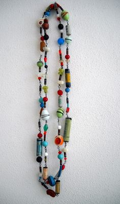 Find some old resistors, put them together with a lot of different colored beads and you can have an eccentric original necklace ! ++ More information at A