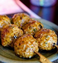 Koftas - Indian Style Meatballs Recipe - These Indian-style meatballs are bite-sized morsels of awesome. Perfect as an entree or appetizer. Lamb Recipes, Meatball Recipes, Meat Recipes, Indian Food Recipes, Asian Recipes, Cooking Recipes, Ethnic Recipes, Free Recipes, Lobster Recipes