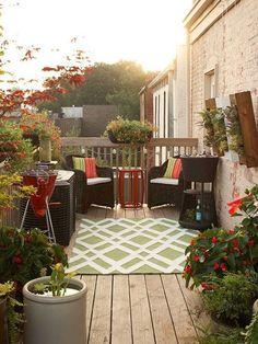 Poltrone Tavolino E Teto Ecco Come Ricreare Un Salottino Sul Balcone Di Casa Outdoor Decoroutdoor Livingoutdoor Roomssmall