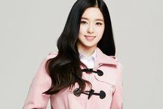 Red Velvet - Irene #아이린 (Bae JooHyun #배주현) : *여성시대* 차분한 20대들의 알흠다운 공간 | [레드벨벳] 아이린 아이비 광고 (교복 아이비) - Daum 카페