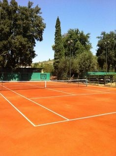 I want to play on a clay court sooo bad!
