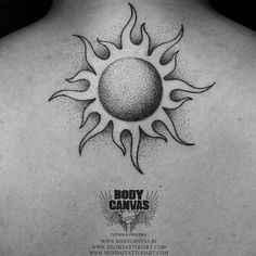 50 Adorable Sun Tattoos Ideas For Men And Women - Trendy Tattoos, Small Tattoos, Tattoos For Guys, Tattoos For Women, Sun Tattoo Small, Sun Tattoo Designs, Sun Designs, Neue Tattoos, Body Art Tattoos