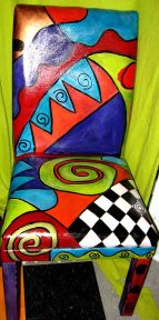 Painting a fabric covered chair-awesome! Also could be an artist/style inspired furniture redo lesson Painting Fabric Furniture, Whimsical Painted Furniture, Painted Chairs, Hand Painted Furniture, Funky Furniture, Colorful Furniture, Art Furniture, Handmade Furniture, Unique Furniture