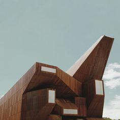 "Matthias Heiderich, ""Reflexiones"", of contemporary architecture in Spain (Madrid, Santiago de Compostela, Avila, and Bilbao)"