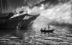 Fan Ho, Evening in Aberdeen, 1958, from series Hong Kong Yesterday