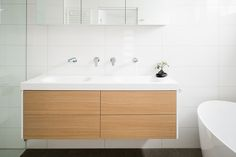 SCANDI STYLING Tips for achieving the perfect Scandinavian style in your home:- Scandi Style, Scandinavian Style, Minimalist Window, Lots Of Windows, Kitchen Doors, Keep It Simple, Kitchen Styling, Classic White, Door Design