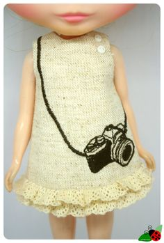 LADYBIRD HOUSE Blythe Outfit Embroidery Camera by bubufashion, $20.00
