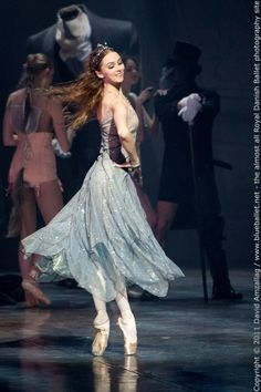 photography by david amzallag via blueballet,net (royal danish ballet photography)