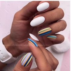 Want some ideas for wedding nail polish designs? This article is a collection of our favorite nail polish designs for your special day. Almond Nails French, Classy Almond Nails, Short Almond Nails, Short Nails, Fall Almond Nails, Short Nail Designs, Fall Nail Designs, Nail Polish Designs, Acrylic Nail Designs