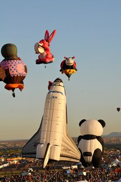 Albuquerque International Balloon Fiesta, Special Shapes Rodeo I would love to go to this someday. Albuquerque Balloon Festival, Albuquerque Balloon Fiesta, Air Balloon Festival, Air Balloon Rides, Hot Air Balloon, Air Ballon, Air Ride, Ciel, Land Of Enchantment