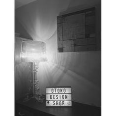 La lampe personnalisable  Cinema Old School A4  est livrée avec 170 lettres, numéros et symboles pour seulement 49€ TTC #lightbox #cinema #vintage #oldschool  #cornerofmyhome #homedecor #centrepiece #light #interiordesign #design #designer #shop #déco #deco #mystyle #lovemyhome #otoko #designshop #shopdesign #lampe #lamp #ideas #home #lighting #lights #personnalisable #smile #ballon