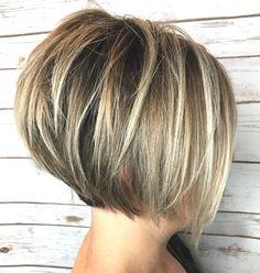 Classy Short Bob Haircuts 2018 For Women -Whatever shape your face? Classy Short Bob Haircuts 2018 For Women -Whatever shape. Inverted Bob Haircuts, Stacked Bob Hairstyles, Short Bob Haircuts, 2018 Haircuts, Medium Hairstyles, Curly Hairstyles, Haircut Short, Wedding Hairstyles, Chic Haircut