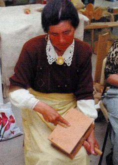"""Página Oficial do Rancho Folclorico """"Meu País"""" de Maisons-Alfort Hand Spinning, Wool, Style, Folklore, Ranch, Swag, Spinning, Outfits, Spinning Yarn"""