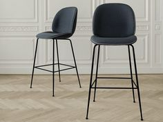 Sedia alta da ristorante imbottita in tessuto BEETLE by Gubi   design GamFratesi Design