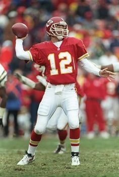 24 Nov Quarterback Rich Gannon of the Kansas City Chiefs drops back to pass during a game against the San Diego Chargers at Arrowhead Stadium in Kansas City, Missouri. The Chargers won the game Mandatory Credit: Jamie Squire /Allsport Kansas City Nfl, Kansas City Chiefs Football, Nfl Football Teams, Football Season, Oregon State Beavers Football, Rich Gannon, San Diego Basketball, City Pride, Wwe Girls